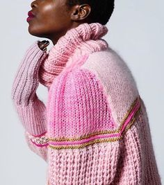 Candy colours c/o @tjockt @carolienevers #knit #knitspo #knitting #knittersofinstagram #knittingaddict #knitwear