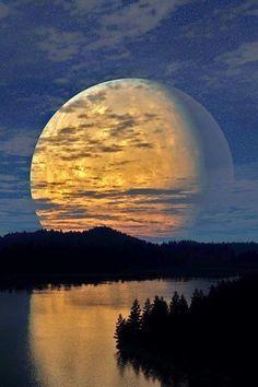magnificent moon river