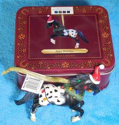 "TRAIL OF PAINTED PONIES ""APPY HOLIDAYS"" ORNAMENT IN ORIGINAL METAL BOX ENESCO"