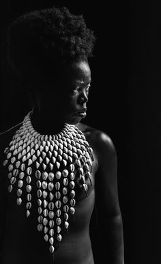Zanele Muholi: Paying Homage to the History of Black Women - The New York Times