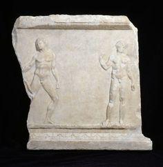 Relief votif : deux athlètes. Datation : vers 330 - 320 av. J.-C. Provenance inconnue. Fabrication : Athènes (?). Paris, musée du Louvre
