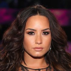 Celebrity Hair and Makeup at the 2017 MTV Video Music Awards