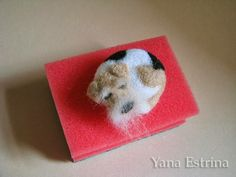 Tutorial needle felting perro dormido by Yana Estrina Needle Felting Tutorials, Pastel Pencils, Wet Felting, Good Mood, Master Class, Felt Crafts, Handicraft, Wool Felt, Free Pattern