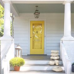A sunny start on this Monday ☀️ Love how my good friend and client Ceane's house turned out! We recently painted the exterior Simply White. Door is Yellow Highlighter by Yellow Front Doors, Front Door Colors, Front Door Decor, Front Porch, Big Doors, Windows And Doors, Exterior House Colors, Interior Exterior, Doors Galore