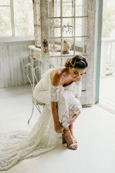 Bridal musings wedding blog bridalmusings on pinterest glamorous and tropical hawaiian wedding inspiration melissa ergo photography dreamers lovers boho off junglespirit Choice Image