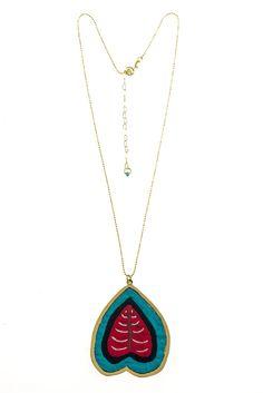 Romance Tule Pendant Necklace
