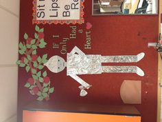 "Wizard of Oz Classroom Decoration. OH. My!!! Has nothing to do with my ""theme"" for this year's  decor, but I do love the OZ. I love the tin man- almost as much as I love the scarecrow."