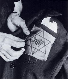 1942 L'étoile Jaune Est Cousue Tracts Et Affiches
