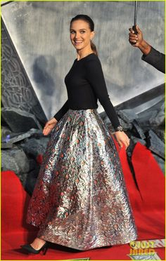 Natalie Portman: 'Thor: The Dark World' Premiere in London! | natalie portman thor dark world premiere 01 - Photo