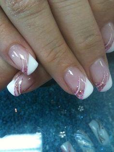 Les filles, je vous met quelques photos d'ongles en gel pour le jour j. ca peut donner des idées #nailart