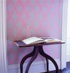 Little Green Notebook: Roll On Wallpaper