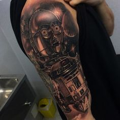 """""""The odds of there being a better tattoo of these droids are roughly 3,720 to 1. (Tattoo by Fred_Tattoo)"""""""