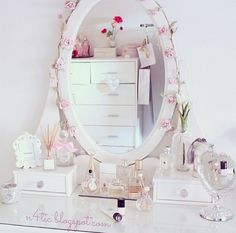 Image about cute in room 💌 by mia ️ on We Heart It Kawaii Room, Teen Girl Bedrooms, Bedroom Vintage, Dream Rooms, New Room, Girl Room, Bedroom Decor, Interior, Stay Classy
