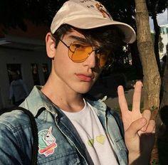 B O Y S bedroom decoration - Decoration Beautiful Boys, Pretty Boys, Cute Boys, Korean Boys Ulzzang, Cute Korean Boys, Bad Boy Aesthetic, Aesthetic People, Aesthetic Art, Grunge Boy