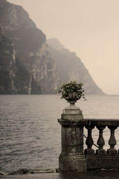 galerie de peinture.  — magic-of-eternity:   Lago di Como. Italy