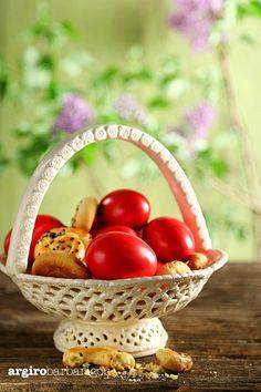 A little taste of Greek Tradition! Greek Easter Red Eggs! #argiro #argirogr #argirobarbarigou #easter #eastereggs #eggs #tradition #greek #food #chef Greek Easter, Easter Recipes, Easter Eggs, Goodies, Traditional, Red, Sweet Like Candy, Gummi Candy, Sweets