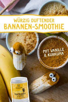 """Der """"Comfort-Food"""" Smoothie schlechthin. Banane, Vanille, Kurkuma und Mandelmus vereinigen sich zu einem stärkenden, ausgleichenden und wohltuenden Getränk mit Suchtpotential! #kurkumalatte #goldenemilch #vegan #smoothie #bananenmilch #mandelmus #comfortfood #rezept #kakao #kindergetränk #wellness #kinder #gesundnaschen Comfort Food, Kakao, Superfood, Latte, Smoothies, Cereal, Wellness, Vegan, Drinks"""