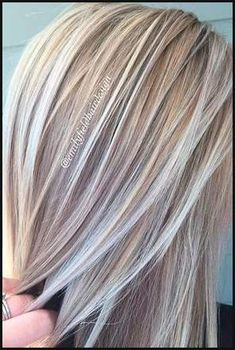 40 Platinum Blonde Hair Shades and Highlights for 2018 | Frisur ... | Einfache Frisuren