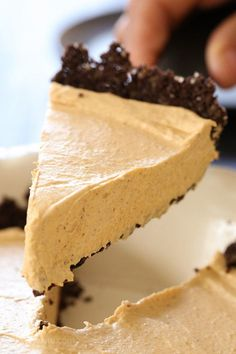 An EASY Fall dessert, this no-bake cheesecake is light and fluffy, made with pumpkin and spices.Quick and simple to make in under 10 minutes, if you use ready made crust.      Personally, I like making my own low-fat crust which is super easy, made with only 3 ingredients which can also be made gluten-free. See that recipe here! Everyone in my house loves this dessert, including my 5 year old!           Pumpkin Spice No-Bake Cheesecake  Skinnytaste.com  Servings: 8 • Size: 1/8th slice •…