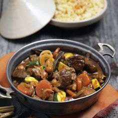 Arabischer Lammtopf - My list of the best food recipes Arabic Sweets, Arabic Food, Falafel, Mezze, Lamb Stew, Italian Chef, Good Food, Yummy Food, Chocolate Chip Cookie Dough