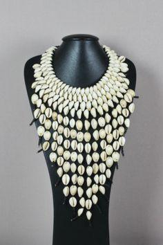 Collier en cauris - Colliers Africains - Bijoux africain - Art africain du Mali et du Burkina Faso