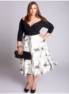 Gorgeous plus size curvy womens clothing fuller figured dresses skirts pants tops casual formal dressy funky clothes sizes Looks Plus Size, Curvy Plus Size, Moda Plus Size, Plus Size Women, Plus Size Dresses, Plus Size Outfits, Nice Dresses, Funky Dresses, Curvy Fashion