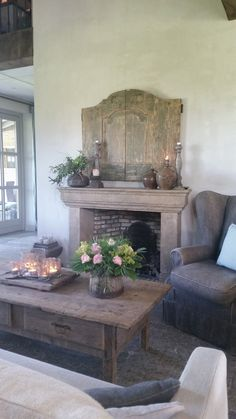 Hoeve Hofackers ♡ ~Rustic Living ~GJ * www. decor With TV Above Decor, Country Decor, Dresser Decor, Home Decor, House Interior, Home Deco, Rustic Living, Rustic Interiors, Rustic House