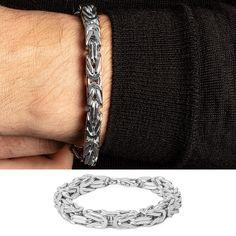 Königsarmband klassisch 925 Silber 8.0mm Hochwertiges, klassisches Königsarmband aus 925 Sterlingsilber mit einer Breite von ca. 8.0mm (Breite des Armbandes variiert). Das Armband lässt sich mit einem praktischen Karabinerverschluss einfach und schnell schliessen. Reines Silber ist sehr weich, daher wurde dieses Armband mit Rhodium legiert, um Härte und Haltbarkeit zu gewährleisten. Das majestätische und zugleich auffallende Armband ist vielseitig kombinierbar und rundet sowohl legere wie… Sterlingsilber, Elegantes Outfit, Bracelets, Men, Jewelry, Fashion, Classic, Simple, Moda