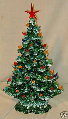 I love these old fashioned ceramic Christmas trees. I have made a few myself, and two of them are handed down from my grandparents. Ceramic Christmas Tree Lights, Vintage Ceramic Christmas Tree, Vintage Ornaments, Xmas Tree, Vintage Decorations, Christmas Past, Retro Christmas, All Things Christmas, Holiday Fun