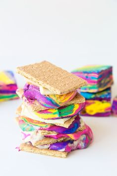 DIY Tie Dye S'mores - these are AMAZING.
