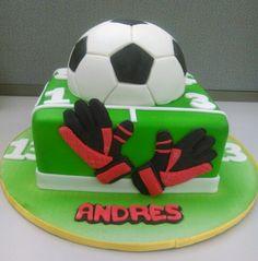 Futbol Cake by Saray Rengifo. Instagram : @sarayrengifo