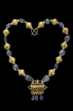 A group of gold and sapphire beads from Persia and India, dating from the 9th - 10th century | Designer unknown | 17'500£ ~ sold (Oct '11)