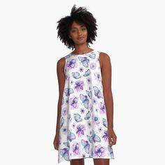 Traditional Japanese Kimono, Flower Pattern Design, Purple Butterfly, Motif Floral, Floral Design, I Dress, Shirt Dress, Bunt, Chiffon Tops