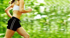 Haben Sie das Gefühl, dass Ihre Arme Sie beim  Laufen ausbremsen? Hier finden Sie Informationen zu einer effektiven, gesunden und bequemen Armhaltung beim joggen.