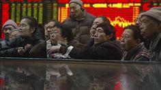 Начало июля ознаменовалось обвалом фондового рынка Китая. Ценные бумаги компаний, котирующихся на биржах КНР, потеряли значительную часть стоимости. Биржевой крах отразился на лицах людей. Тем более, что почти 80 процентов торгующих на китайских биржах - домохозяйки, пенсионеры и обычные работяги. #Китай #акции #ФондовыйРынок