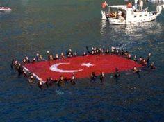 Havada Karada Denizde Ay yıldızlı Türk Bayrağı her yerde.. TÜRK SİLAHLI KUVVETLERİ