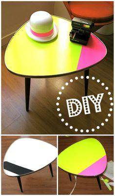 DIY relooking express d'une table basse tripode vintage. customisation fluo!