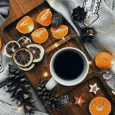 - bringing some christmas mood Christmas Mood, Noel Christmas, Christmas And New Year, Christmas Flatlay, Autumn Aesthetic, Christmas Aesthetic, Aesthetic Food, Illustration Noel, Winter Photos