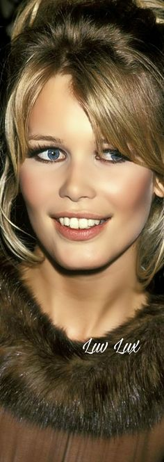 Claudia Schiffer, Executive Producer, Simply Beautiful, New Art, Supermodels, Actresses, Fashion Design, Beauty, Faces