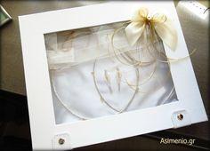 Asimenia Stefana Gamou, mono sto Asimenio.gr #stefana_gamou #gamos #love #thessaloniki #asimenio_gr #asimenia_stefana #stefana #gamou Wedding Crowns, Thessaloniki, Frame, Home Decor, Stock Wedding Crowns, Picture Frame, Decoration Home, Room Decor, Frames