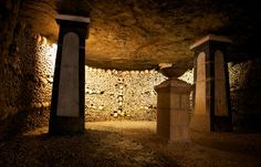 Catacombes de Paris - This Parisian ossuary, covering 11,000 m² of underground space is called the Catacombes in reference to the Catacombs of Rome....
