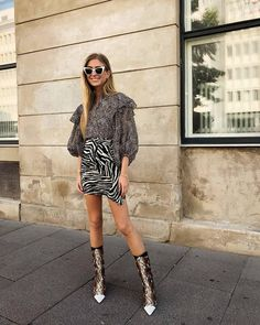 best leopard print blouse: emili sindiv wears hers with a zebra mini skirt Summer Outfits Women 30s, Summer Fashion Outfits, Skirt Fashion, Kylie, Kendall Jenner, Animal Print Outfits, Animal Prints, Jessica Parker, Dress With Sneakers