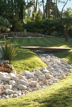 From natural and polished pebbles, to chippings, feature stones and path gravel, our #LandscapeStone collection is the most extensive around. Browse now: http://bit.ly/24PK2MS #LandscapeDesign