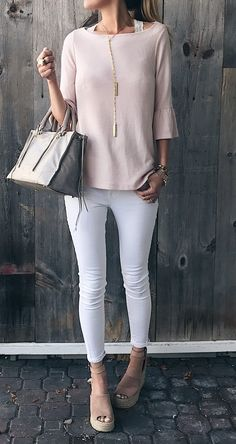 spring outfit: pink ruffle sleeve top with white skinny jeans and blush suede wedges