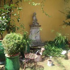 My romantic garden . #âme #art #garden #romantic #jardin #ambiance #Pyrenées #béarn #authentic #antiques #antiquités #architecture #house #houseandgarden #homedesign #home #elegant #emotion #beautifulgarden