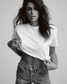Kaia Gerber Just Wore The Only White T-Shirt We'll Ever Need : Sometime all your outfit needs is a plain white tee and Kaia Gerber proves the Hanes x Karla Welch collection has every white t-shirt we could ever need. Model Poses Photography, Glamour Photography, Lifestyle Photography, Editorial Photography, White Photography, White Shirt And Jeans, White Tees, Poses Modelo, Model Test