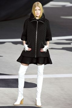 Chanel Fall 2013 Ready-to-Wear Fashion Show - Louise Parker