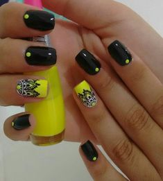 Top 30 Trending Nail Art Designs And Ideas - Nail Polish Addicted Love Nails, Fun Nails, Pretty Nails, Toe Nail Art, Acrylic Nails, Beauty And More, Yellow Nails, Black Nails, Neon Yellow