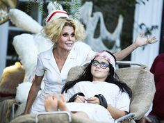 Catch This Sneak Peek of Modern Family's Spooky (& Sexy) Halloween Episode http://www.people.com/article/modern-family-halloween-sneak-peek