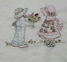Toalha de capuz para bebê  Lia bordados Atibaia SP
